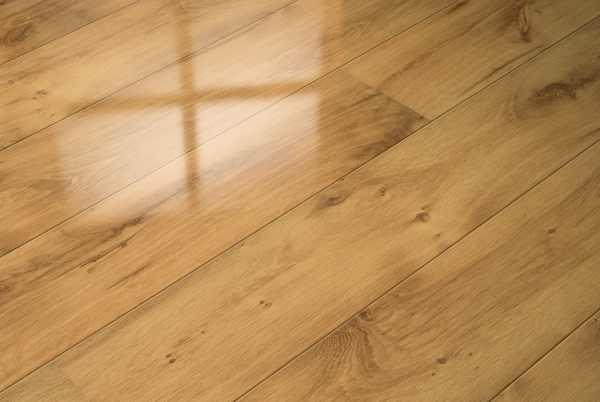 """Elesgo Laminat """"Hochglanz Sommereiche"""" - Superglanz floor Diele"""